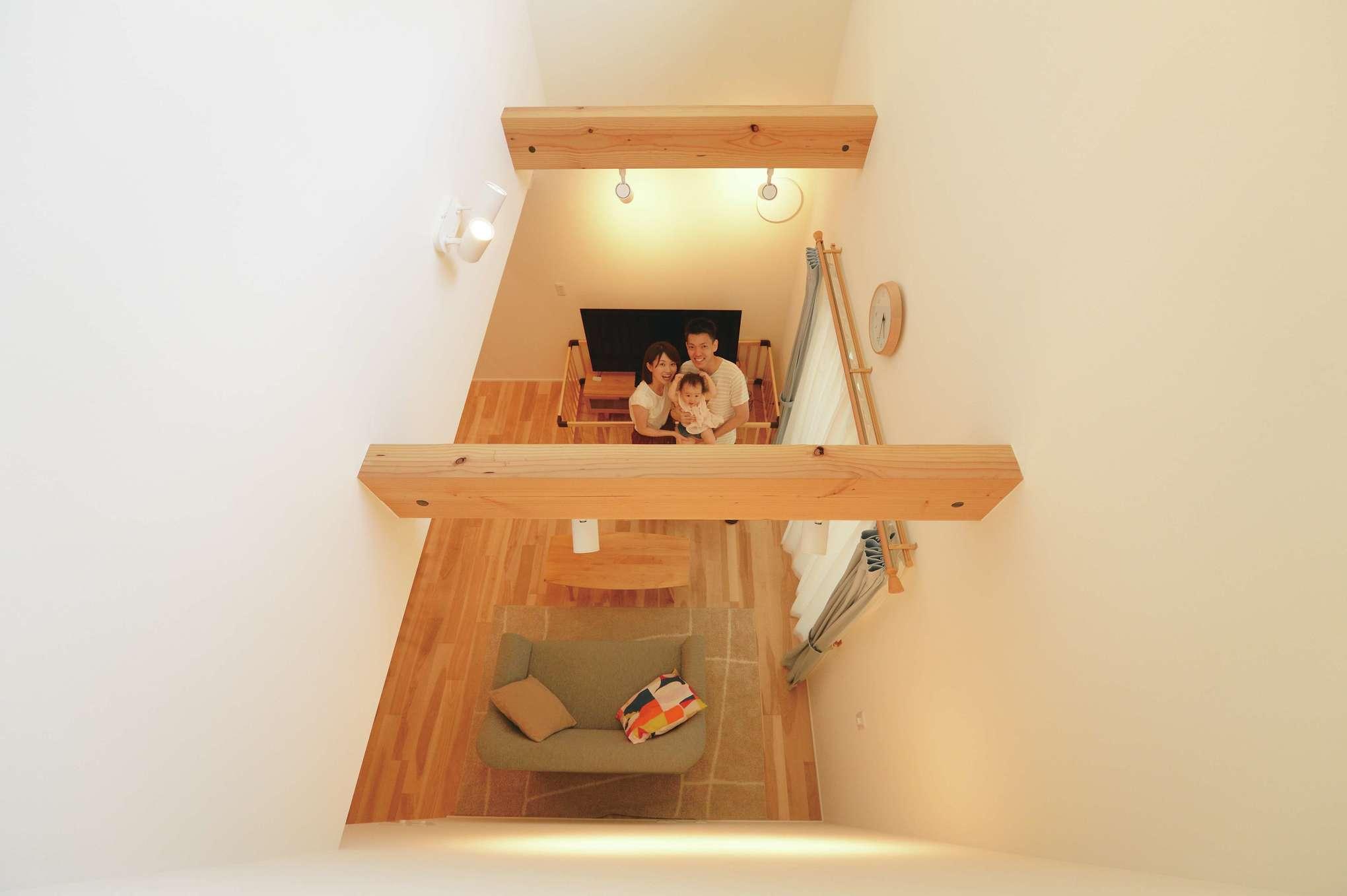 低燃費住宅 静岡(TK武田建築)【子育て、自然素材、省エネ】夏は2階のエアコンから涼しい風が1階に流れ快適