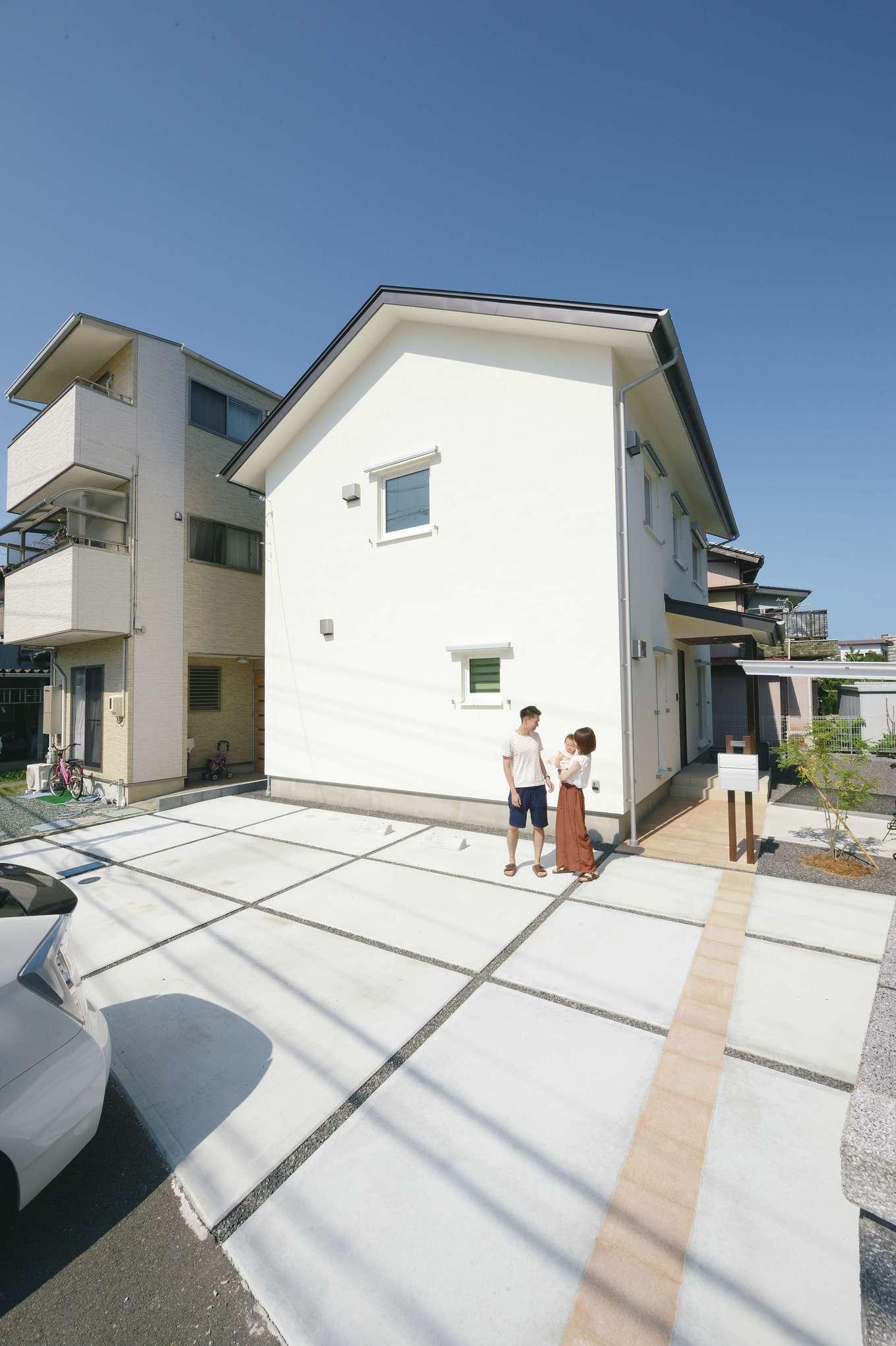 低燃費住宅 静岡(TK武田建築)【子育て、自然素材、省エネ】外観にはメンテナンスフリーのアルセコを採用