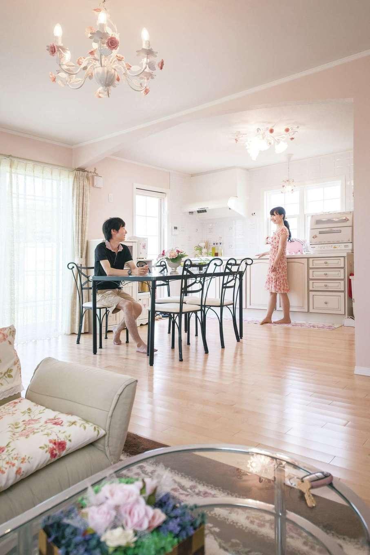 セルコホーム浜松(オバタケイ)【輸入住宅、趣味、ガレージ】白い空間に機能的でおしゃれな輸入のメリットキッチン
