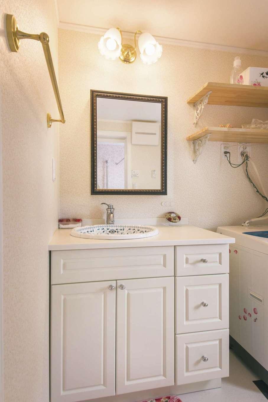 セルコホーム浜松(オバタケイ)【輸入住宅、趣味、ガレージ】輸入オリジナル洗面化粧台にデザイン性のある洗面ボウル