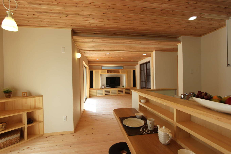 河合工務店【趣味、自然素材、間取り】大工さん手づくりのオンリーワンの建具のあふれるLDK