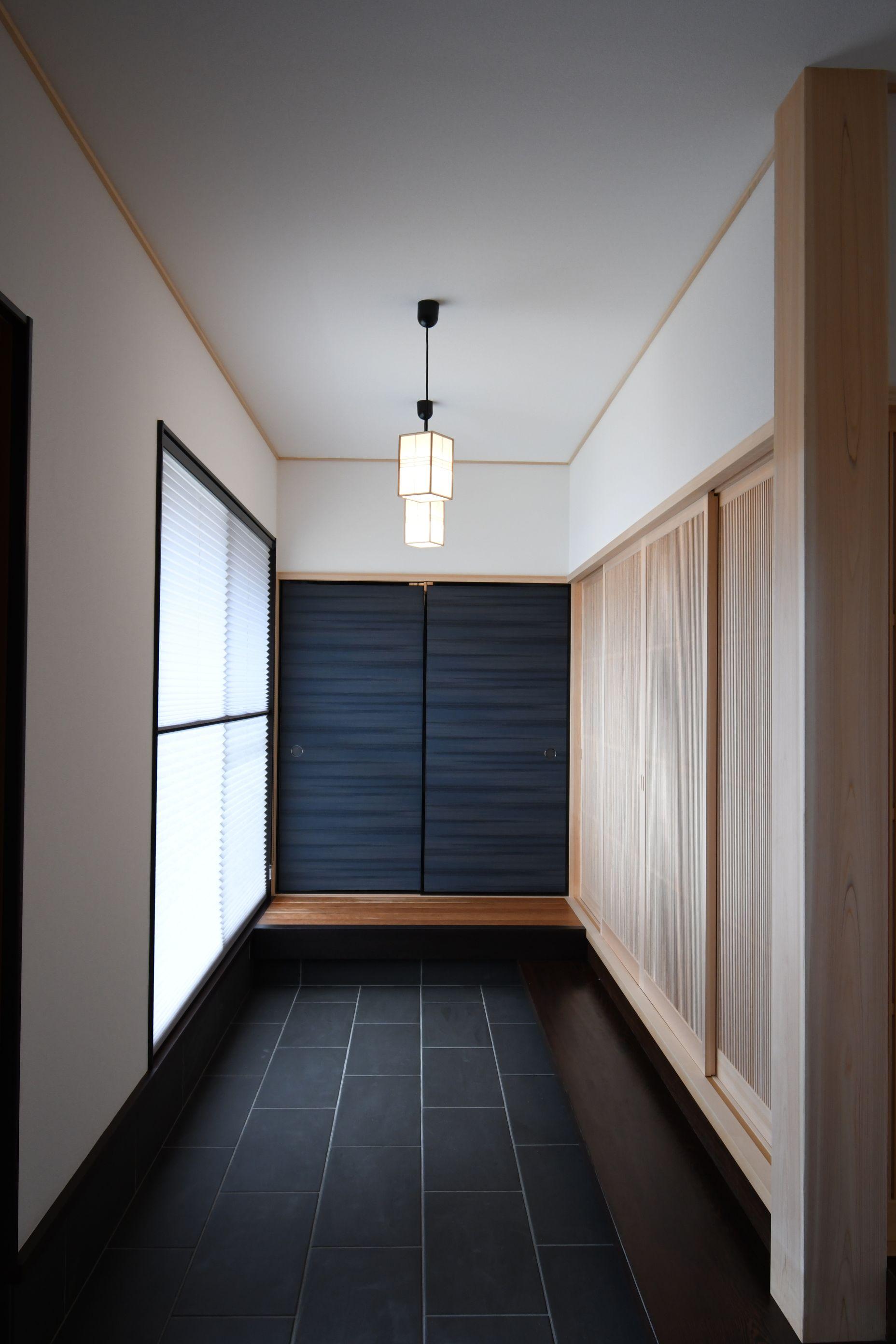 丸七建設興業【デザイン住宅、高級住宅、間取り】旅館に来たかと錯覚してしまう様な玄関ホール