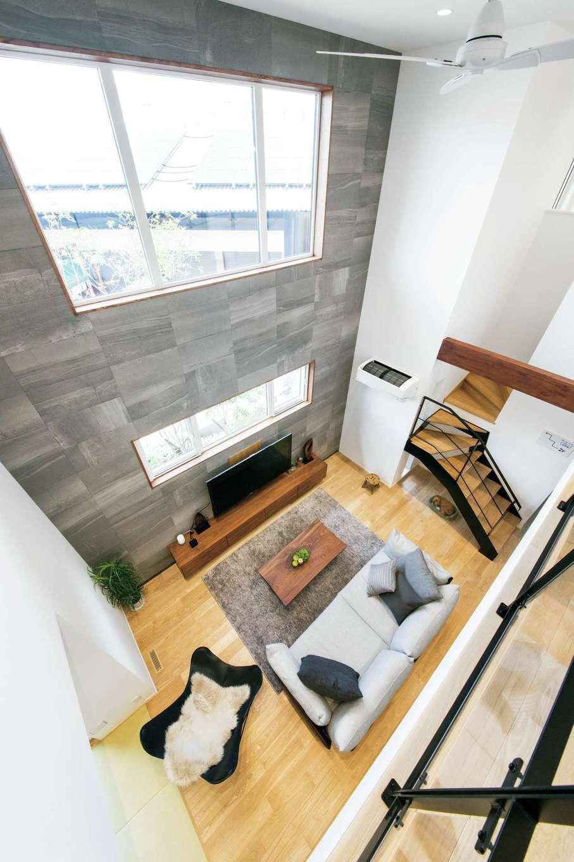 ユートピア建設【岡崎市大門5丁目2番地・モデルハウス】この家は空気が活発に動き回り、吹抜けや壁の裏側のエアスペースを通して各室へと運ばれる。家中の隅々まで温度差がないので、ヒートショックのリスクもない。暑い時期、寒い時期は必須だ