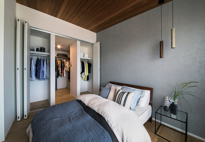 快適な寝室と、広々としたウォークインクローゼットを完備