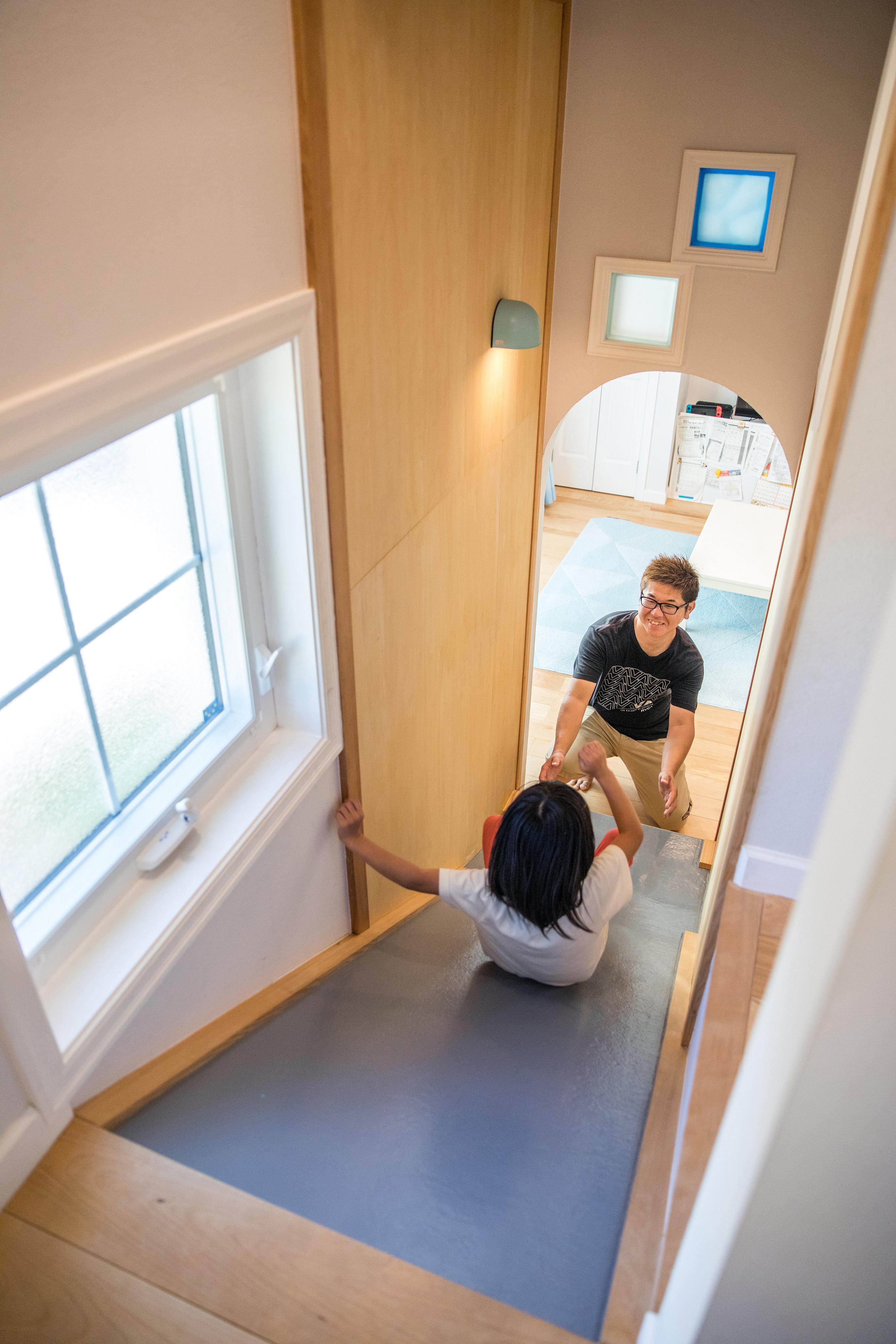 スカイグラウンド【デザイン住宅、子育て、趣味】『スカイグラウンド』特製のすべり台。お施主さんの夢にとことん寄り添ってくれる