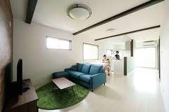 子どもがのびのび育つ 大空間リビングの家