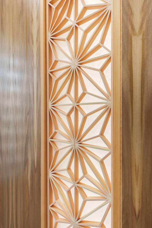 櫻 工務店【子育て、和風、自然素材】繊細な組子の模様が、光によって浮き彫りに