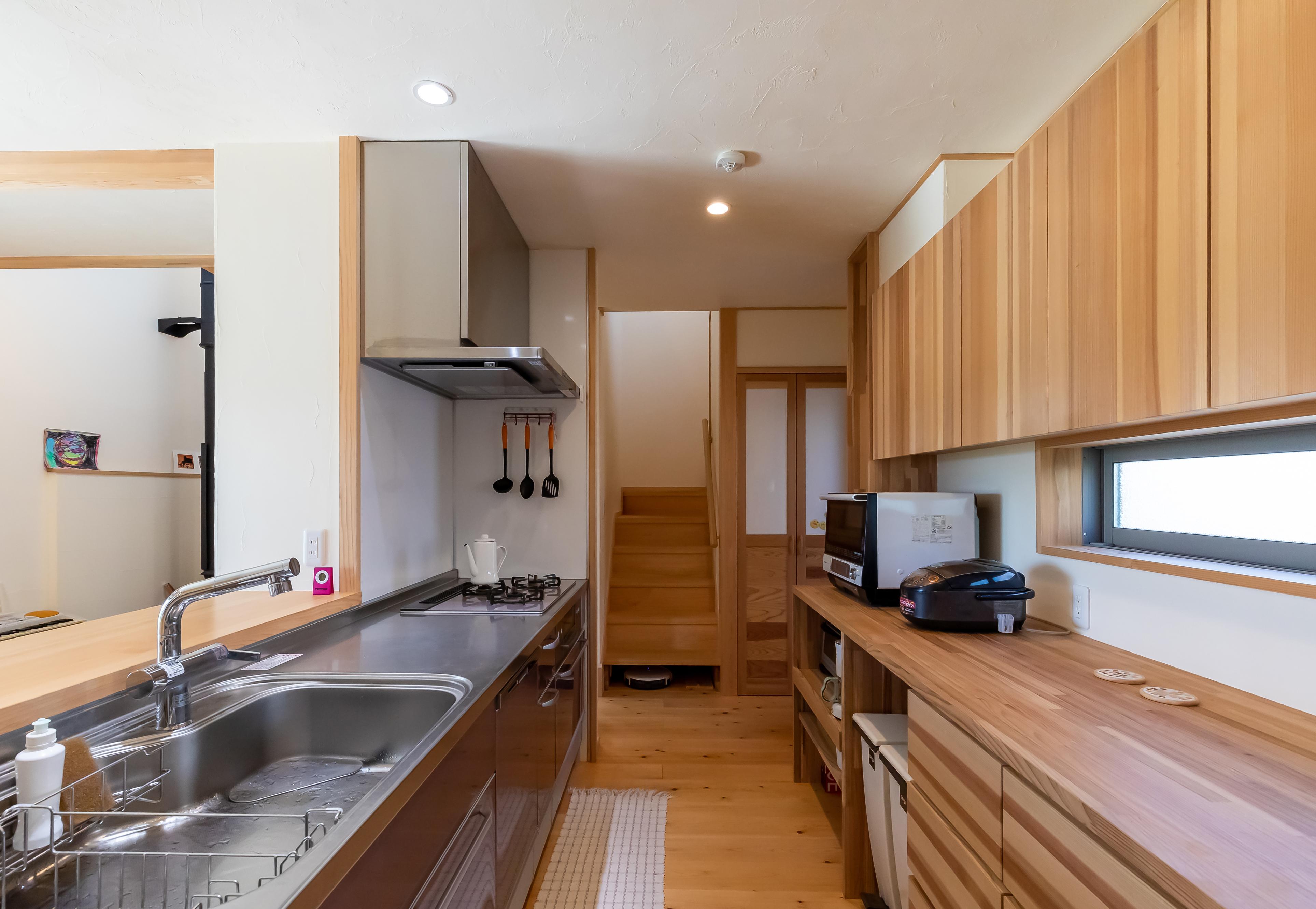 ナルセノイエ【子育て、和風、自然素材】広々としたキッチンには、奥様のこだわりがいっぱい