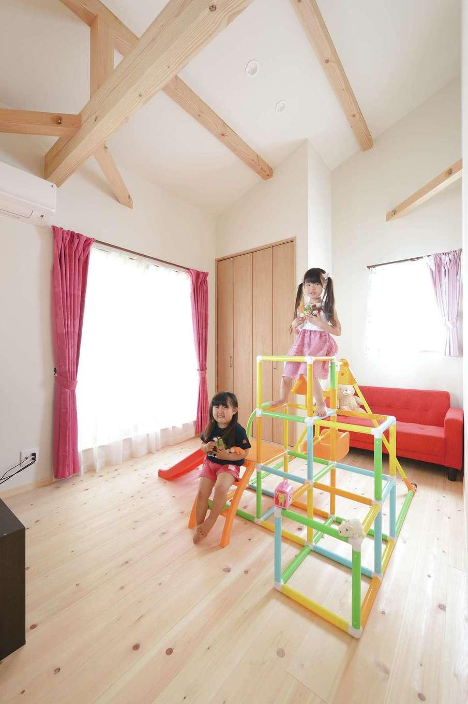福工房【デザイン住宅、子育て、自然素材】子ども部屋の1つは当面区切らずオープンに使用