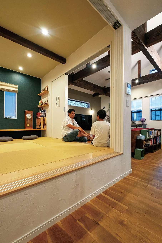 アトリエサクラ【高級住宅、間取り、インテリア】和室は個室としても使える小上がりタイプに。下部スペースは収納に活用