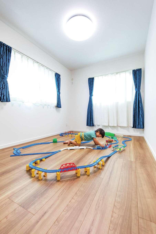 三和建設【子育て、収納力、間取り】2歳の長男は子ども部屋を一人占め