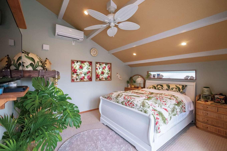 富士ホームズデザイン【デザイン住宅、二世帯住宅、インテリア】床のじゅうたんとカラーコーデにより、現地ホテルのような寝室に