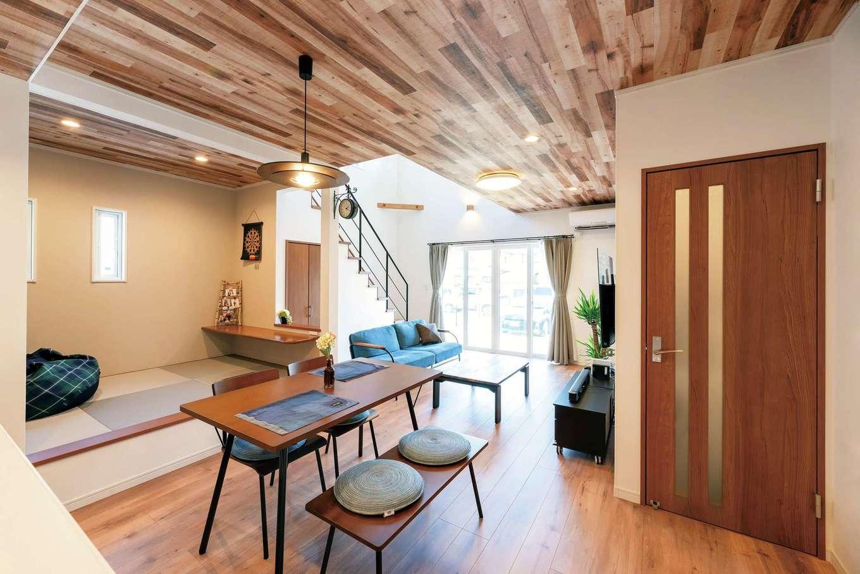 irohaco (アヴァンス)【1000万円台、デザイン住宅、間取り】玄関からリビング、ダイニングへと別々にアクセスできる2WAYの家事ラク動線。荷物が多い時も便利で、共働き奥さまの負担を軽減する