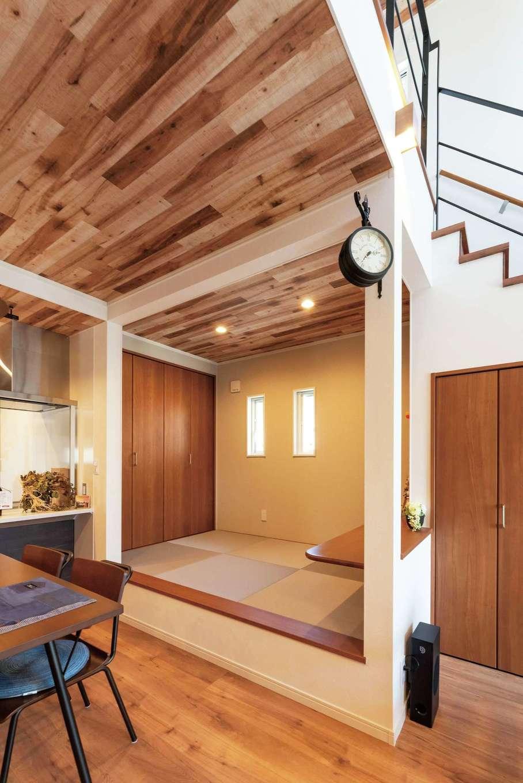 irohaco (アヴァンス)【1000万円台、デザイン住宅、間取り】小上がりの畳コーナーはPCをしたり、ベンチ代わりにもなる