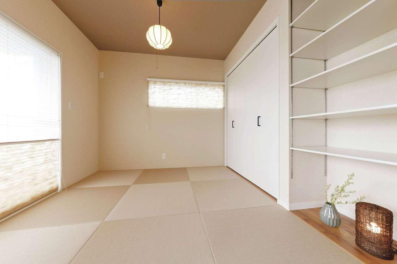 アフターホーム【デザイン住宅、趣味、間取り】洋の中にある和の空間。棚は床の間風にも使える仕様
