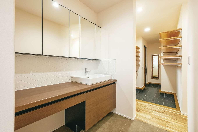 低燃費住宅 静岡(TK武田建築)【子育て、省エネ、平屋】外から帰ってきて、手を洗う習慣が自然に身につく手洗いコーナー