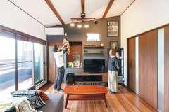 二世帯がつながって暮らす趣味も家事も楽しむ家