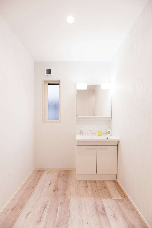 HOUSE PLAN(R+house沼津・伊東)【デザイン住宅、二世帯住宅、省エネ】2階洗面は、将来ミニキッチンを置ける配慮も