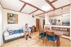暮らしの動線を追求した自然素材が心地いい家