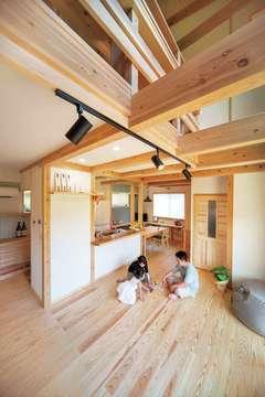 本物志向の「木の家」が生み出す 穏やかな日常の暮らし