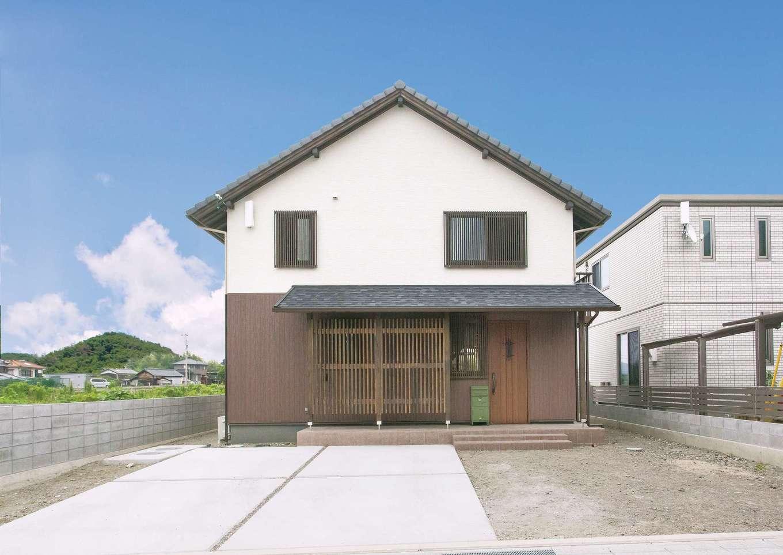 サイエンスホーム【デザイン住宅、自然素材、省エネ】町屋のような風情がただよう切妻屋根の外観