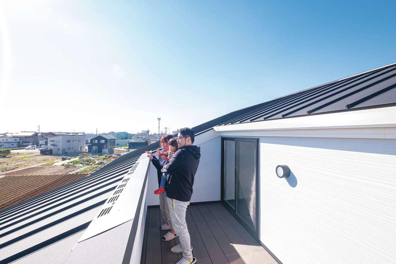 デザインハウス【デザイン住宅、子育て、間取り】3階部分に作った屋上は、Sさんのリラックススペース