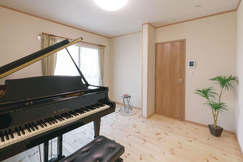 住まいるコーポレーション【デザイン住宅、収納力、自然素材】奥さまがピアノ教室を開くために設けたレッスン用の防音室