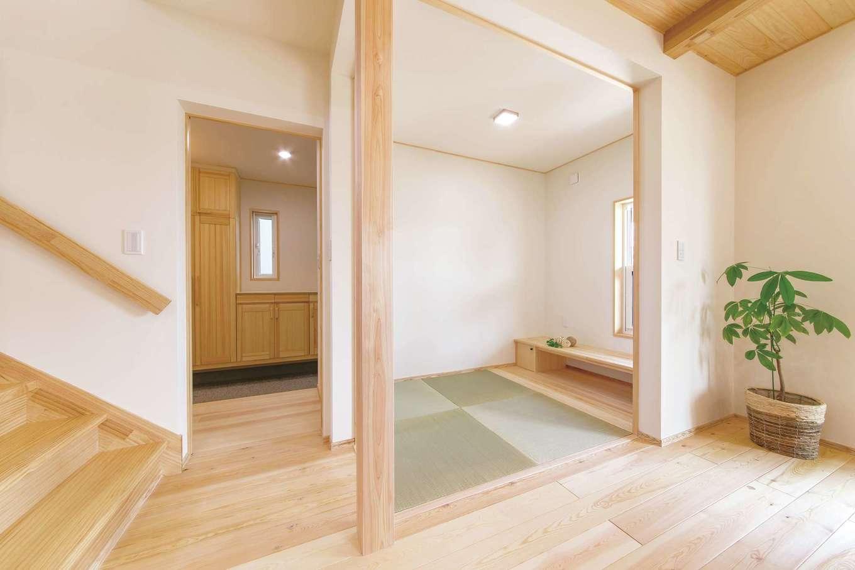 ワイズホーム【子育て、自然素材、間取り】ホッとする畳スペースは、夫婦でお酒を飲んだり、子どものお昼寝にも