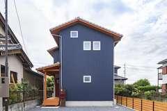 コンパクトな敷地でも開放的に暮らせる家事ラクな家