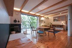 アウトドアリビングのある家は、人や自然と対話が弾む!