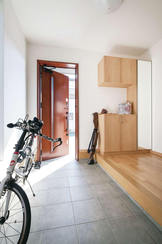 宮下工務店【収納力、趣味、省エネ】自転車を置けるように土間を広くした玄関