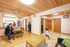 提案力が光る間取りと収納 心地よくつながる二世帯の家