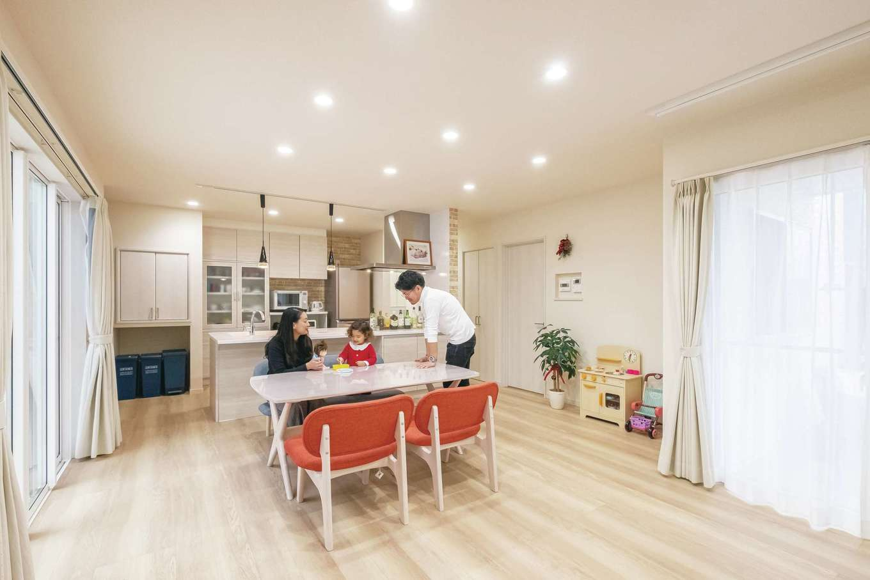 アフターホーム【1000万円台、デザイン住宅、子育て】「今は子どもが走り回れるインテリアにしています。今後はソファを置いて、子どもの成長に合わせたアレンジも楽しんでいきたい」とSさん