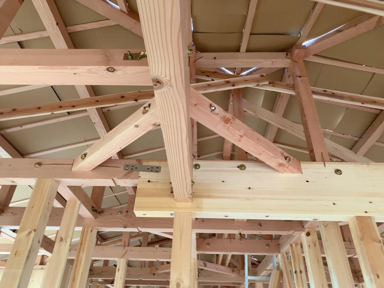 天井まで骨組みが見えるのはこの機会のみ!