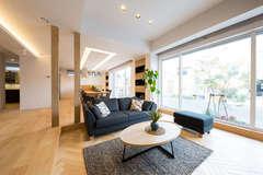 高低差を活かした空間が心地いい、自由設計の高性能住宅