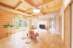 自然素材に癒される 木の香りがいっぱいの家