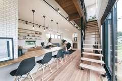 機能性の高さと デザインを両立した カフェのような家