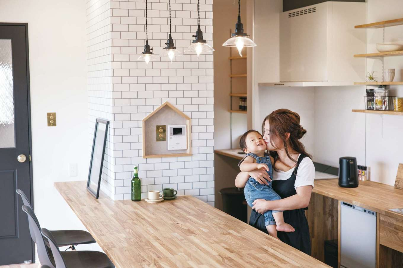 小幡建設【デザイン住宅、省エネ、間取り】キッチンにあるニッチは施工中に『小幡建設』の社長がその場で提案。施工しながらでも常に提案をしてくれるのは魅力的だ