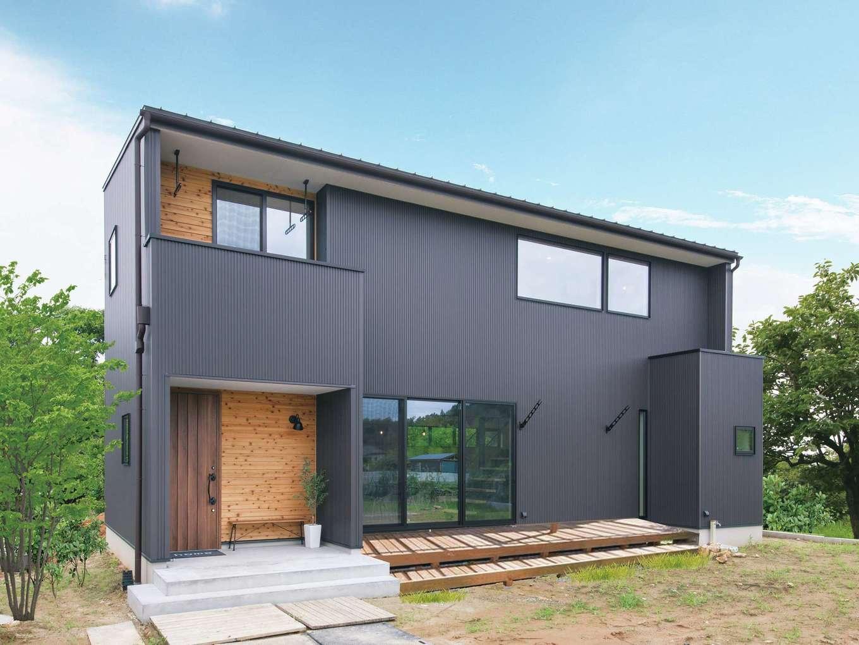 小幡建設【デザイン住宅、省エネ、間取り】味わい深く仕上げた外観
