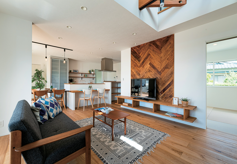 KureKen 榑林建設【デザイン住宅、省エネ、間取り】「将来、余計な心配をしてほしくない」との思いから、同社の住まいは長期優良、高気密、高断熱、耐震等級3、制震の5つが標準仕様。安心と快適が家族を包み、省エネにも貢献する