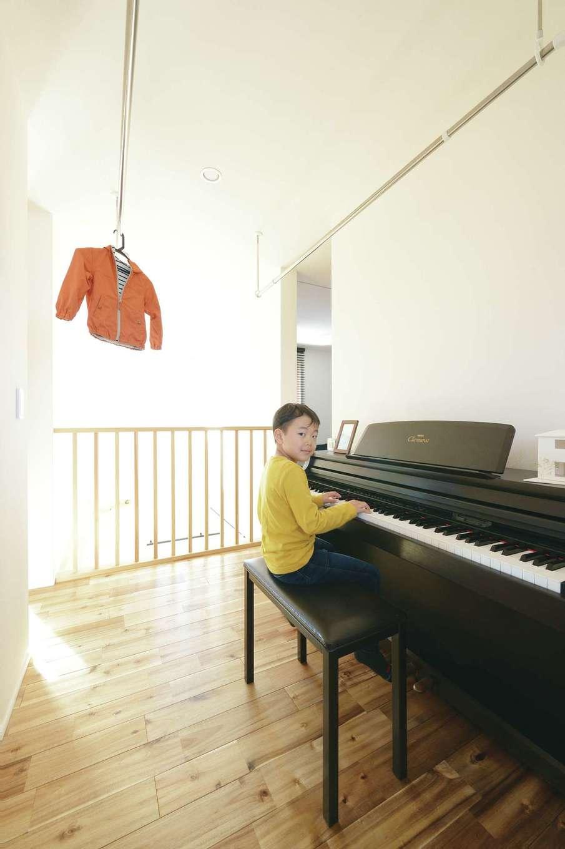 低燃費住宅 静岡(TK武田建築)【子育て、狭小住宅、省エネ】世界基準の高断熱・高気密・遮音性能により、近所迷惑を気にすることなく、思い切りピアノを弾ける。室内干しもすぐ乾き、不快なニオイもなし!