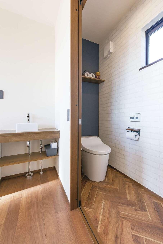小玉建設【デザイン住宅、子育て、間取り】2階のトイレ横に手洗いコーナーを