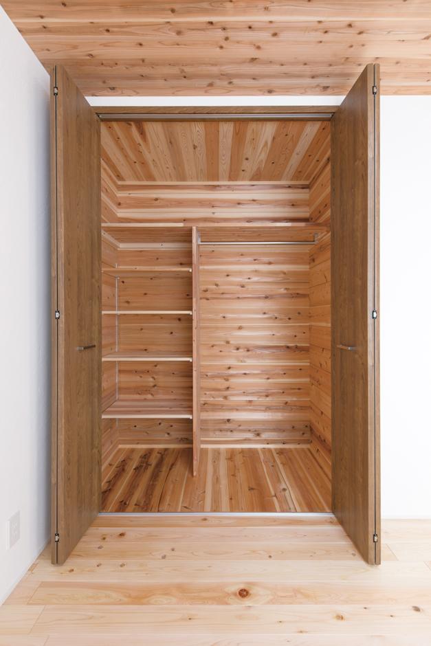 片川工務店【子育て、収納力、自然素材】普段は目につかない棚の内側まで、丁寧かつ美しい仕上がり