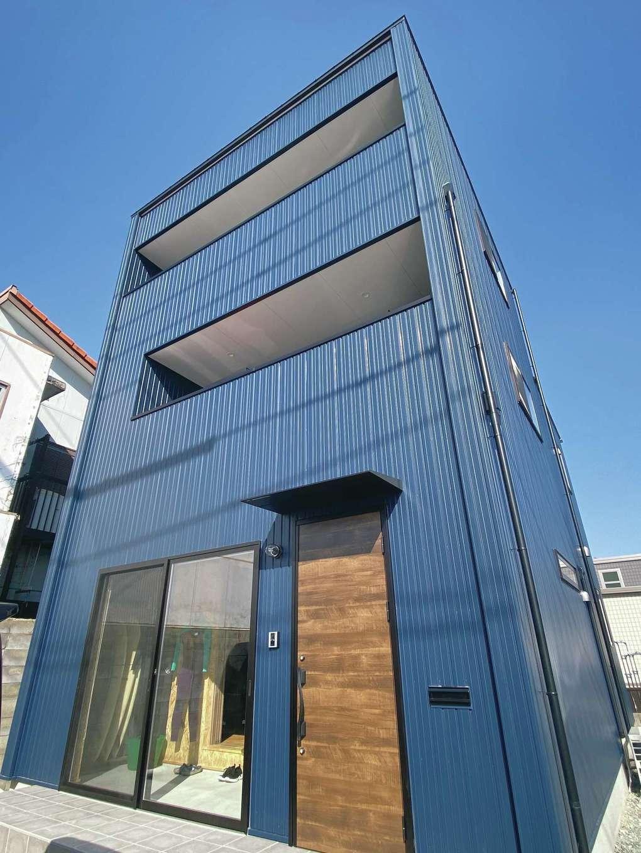 タツミハウジング【デザイン住宅、狭小住宅、間取り】人目を引くおしゃれな外観