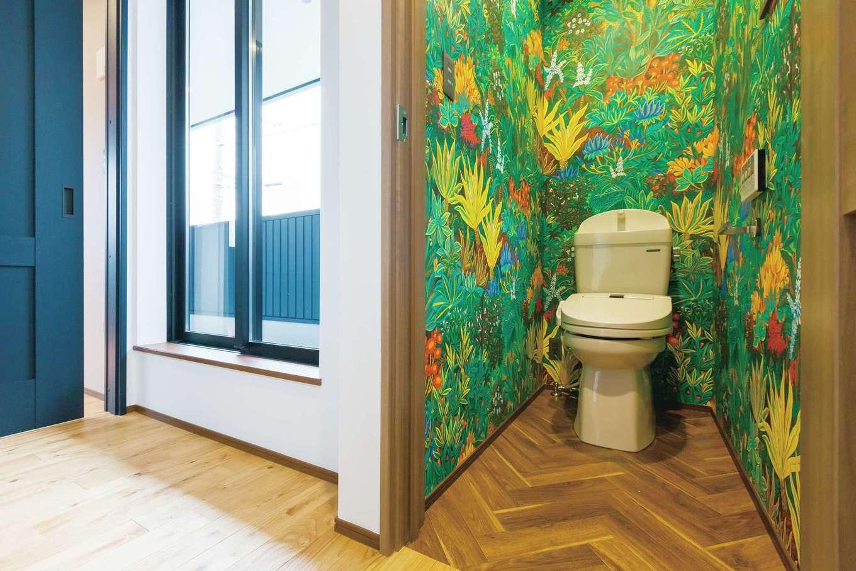 タツミハウジング【デザイン住宅、狭小住宅、間取り】トロピカルムードなトイレは、まるで別世界。夢のある空間