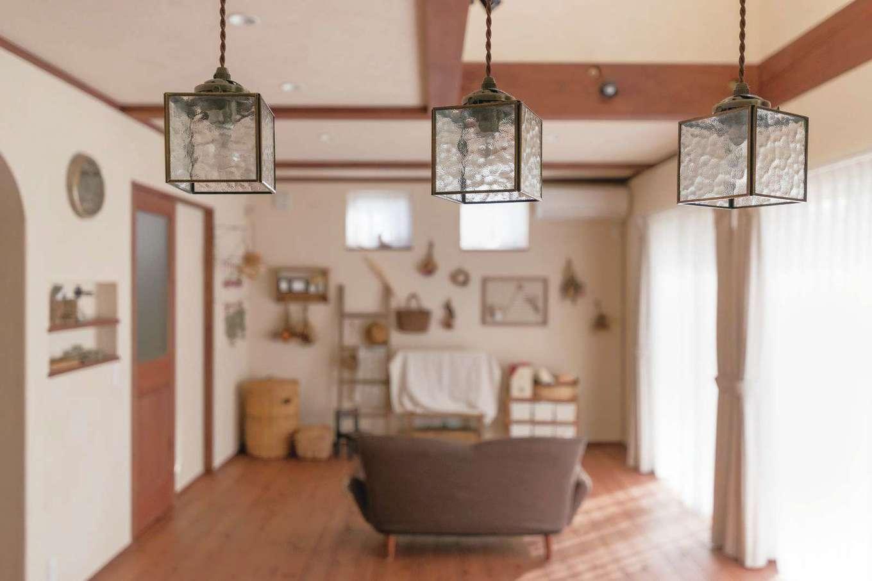 アイジースタイルハウス【デザイン住宅、子育て、自然素材】家具や照明器具は、色、形、素材まで『アイジー』のコーディネーターからの提案