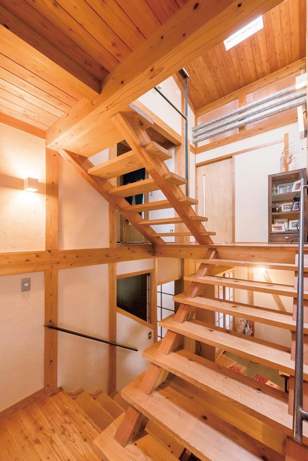 遊び心と開放感が心地いいスキップフロアのある木の家