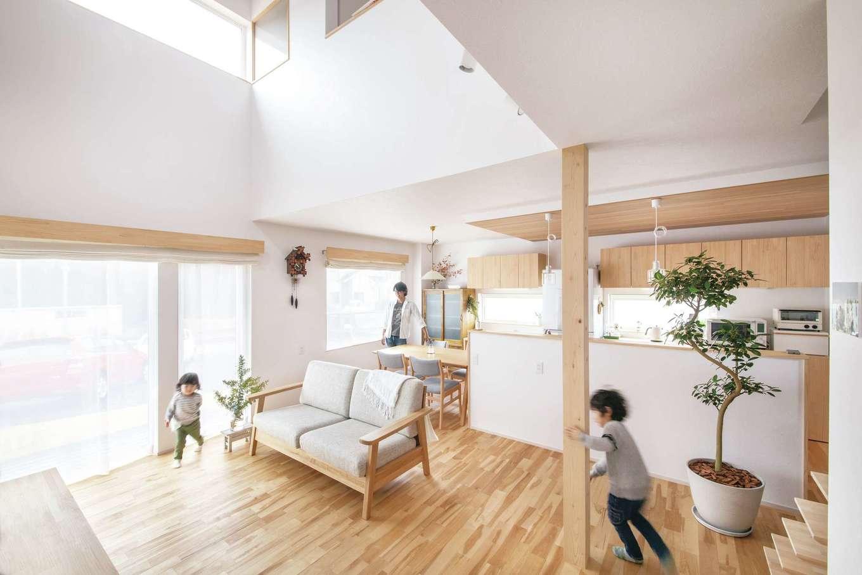 共感住宅 ray-out (レイアウト)【デザイン住宅、子育て、省エネ】シンプルですっきりとした空間は、これから少しずつ自分たちの色に染めていく楽しみがある