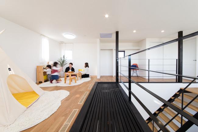 小幡建設【デザイン住宅、子育て、間取り】2階のフリースペース。ネコちゃんのためのキャットウォークも設置した