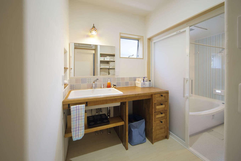 花みずき工房【和風、自然素材、平屋】造作洗面台は個性を出しつつも使い勝手を考慮
